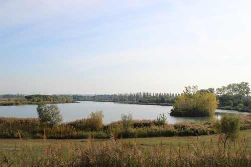 Vue sur l'ensemble du lac
