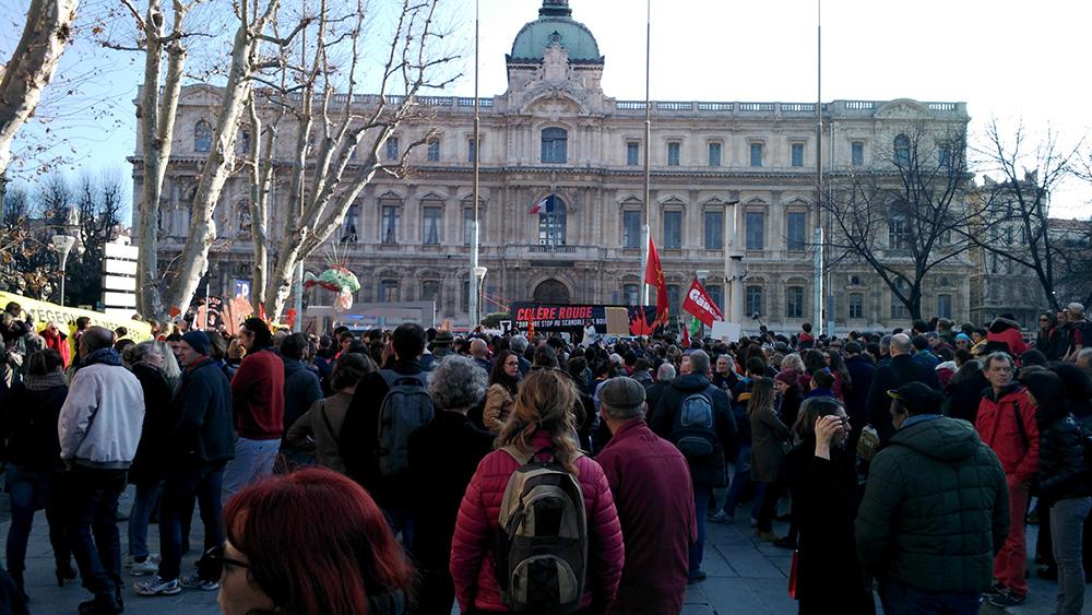Manifestation du 31 ajnvier 2016 contre les rejets toxiques de boues rouges de l'usine Altéo de Marseille © LPO PACA