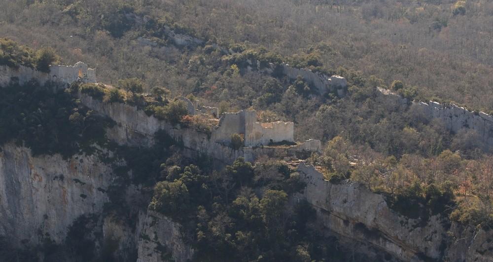 187 fort de buoux