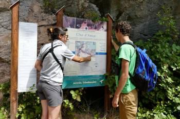Information des visiteurs dans la RNR des gorges de Daluis © Benjamin Kabouche